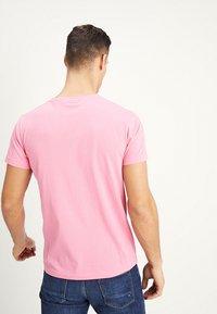 GANT - THE ORIGINAL - T-shirt - bas - pink rose - 2