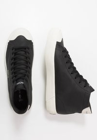 Lacoste - GRIPSHOT MID - High-top trainers - black/offwhite - 1