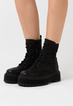 YARA - Kotníkové boty na platformě - black