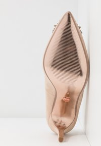 Dorothy Perkins - GLADLY POINTED TRIM COURT - Høye hæler - nude - 6