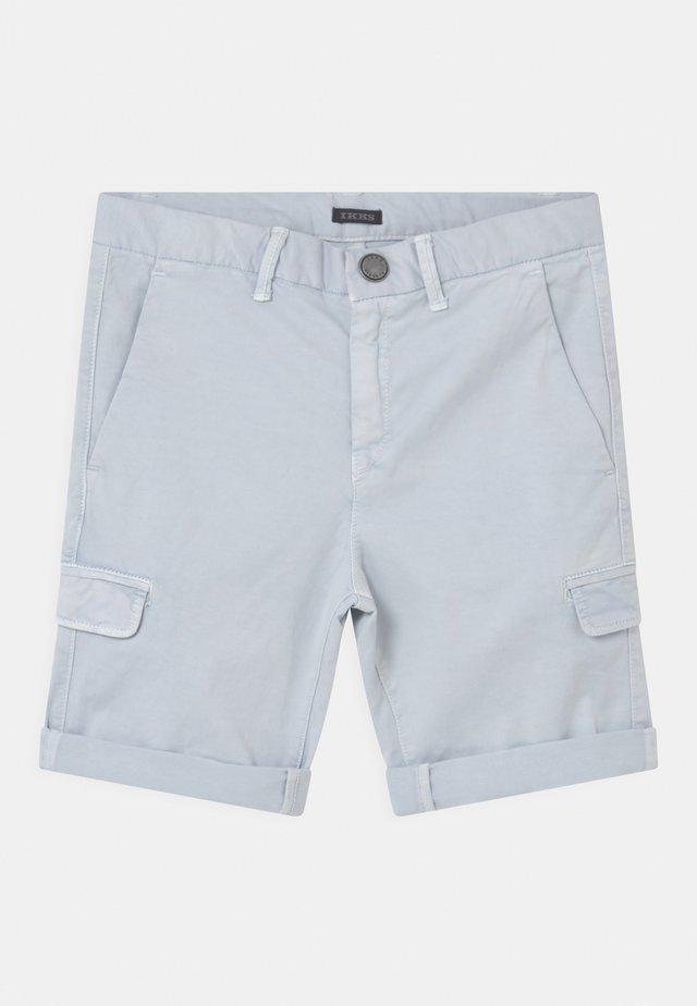 BERMUDA - Shorts - bleu ciel