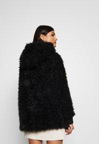 ONLY - ONLMELANIE HOOD JACKET - Winter coat - black - 2