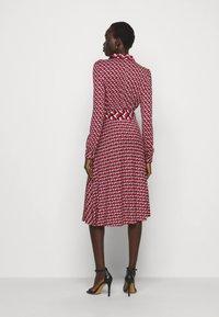 Diane von Furstenberg - MILLY DRESS - Paitamekko - red - 2