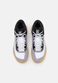 Nike Performance - KYRIE FLYTRAP 4 - Basketball shoes - black/metallic cool grey/white - 3