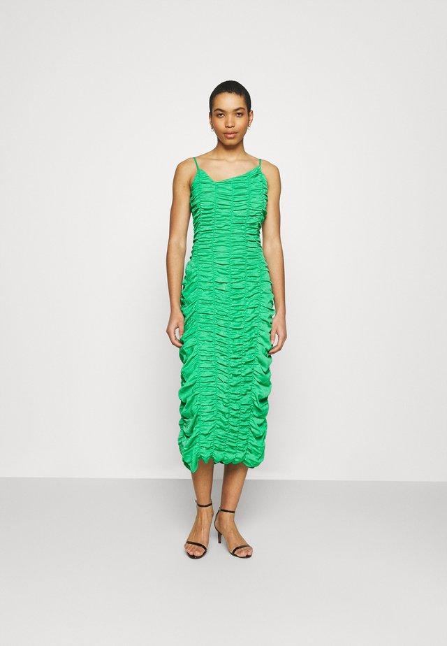 CONSTANTINA DRESS - Pouzdrové šaty - green