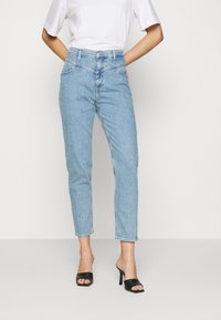 Calvin Klein Jeans - MOM  - Straight leg jeans - light blue yoke - 0