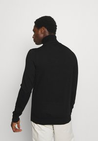 Tommy Hilfiger Tailored - FINE GAUGE LUXURY ROLL - Jumper - black - 2