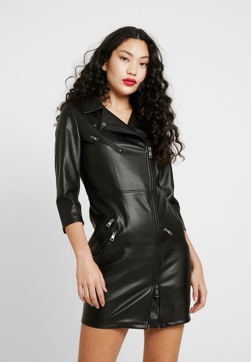 ONLY Tall - ONLJANNIE DRESS - Denní šaty - black