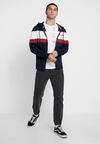 Jack & Jones - JORNEWSHAKEDOWN BLOCK ZIP  - veste en sweat zippée - navy blazer