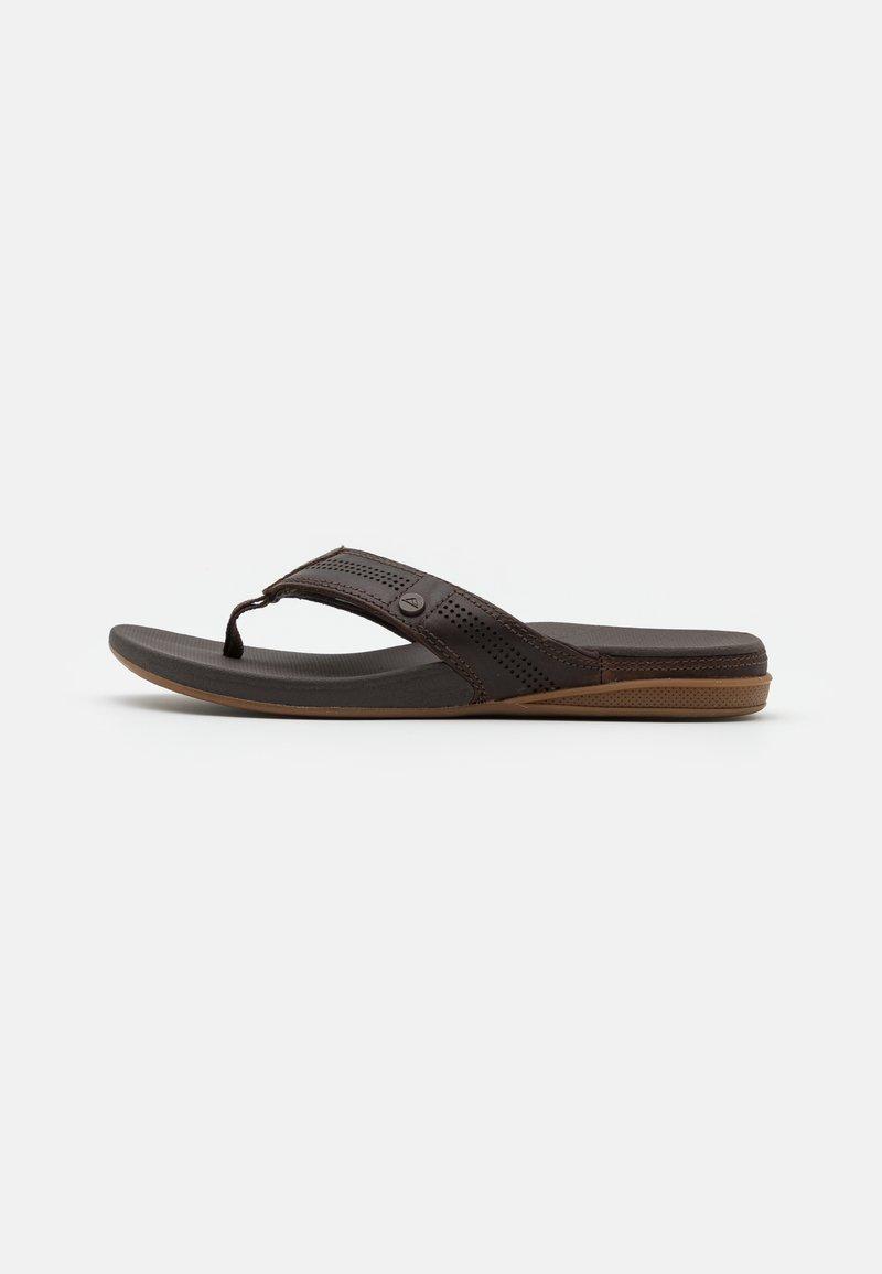 Reef - CUSHION BOUNCE LUX - Sandály s odděleným palcem - brown