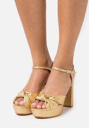 Sandály na platformě - libreria oro