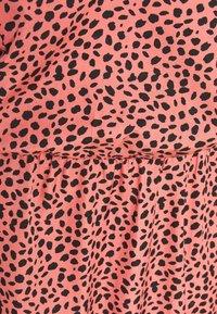New Look Petite - SWEETHEART NECK TIER MINI - Day dress - pink - 2