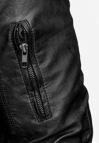 INDICODE JEANS - AARON - Imitatieleren jas - black - 3