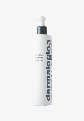 INTENSIVE MOISTURE CLEANSER  - Cleanser - -