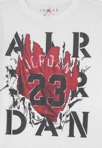 Jordan - RAGING BULL - T-shirt con stampa - white - 2