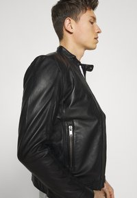 Selected Homme - SLHICONIC CLASSIC - Giacca di pelle - black - 4