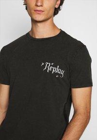 Replay - T-shirt con stampa - blackboard - 5