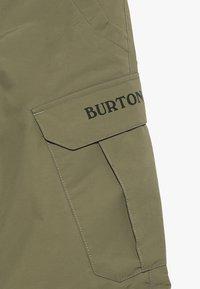 Burton - EXILE CARGO - Zimní kalhoty - martini olive - 5