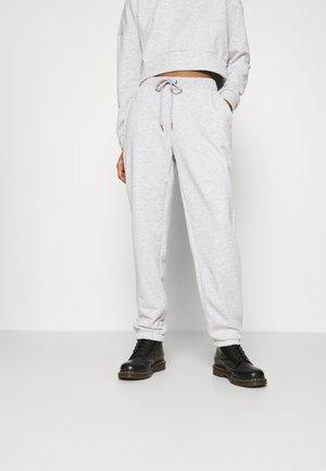 NMLUPA LOGO PANTS - Tracksuit bottoms - light grey melange