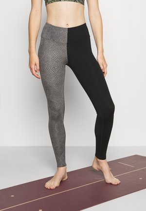 LEGGINGS TWISTED VIPER - Tights - silver