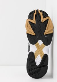 adidas Originals - Sneakersy niskie - core black/footwear white/gold metallic - 6