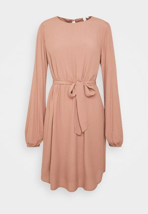 PERFECT BELTED DRESS - Hverdagskjoler - brown