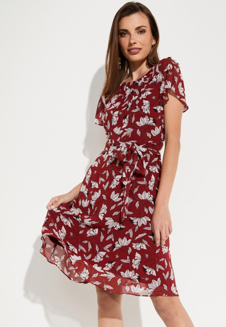 comma - MIT SOMMERLICHEM ALLOVERPRINT - Day dress - brick
