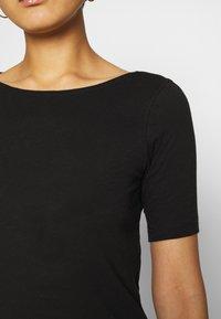 Marc O'Polo - SHORT SLEEVE BOAT NECK - Basic T-shirt - black - 5