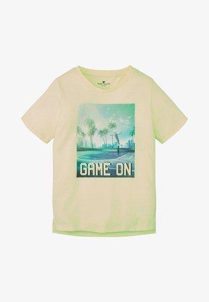 T-shirt print - flashy lime green