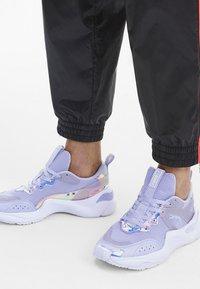Puma - RISE GLOW  - Trainers - purple heather - 0