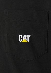 Caterpillar - POCKET - T-shirt basic - black - 2