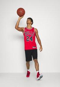Nike Performance - Pantaloncini sportivi - black/white/university red - 1