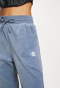 adidas Originals - JOGGER - Joggebukse - grey - 5