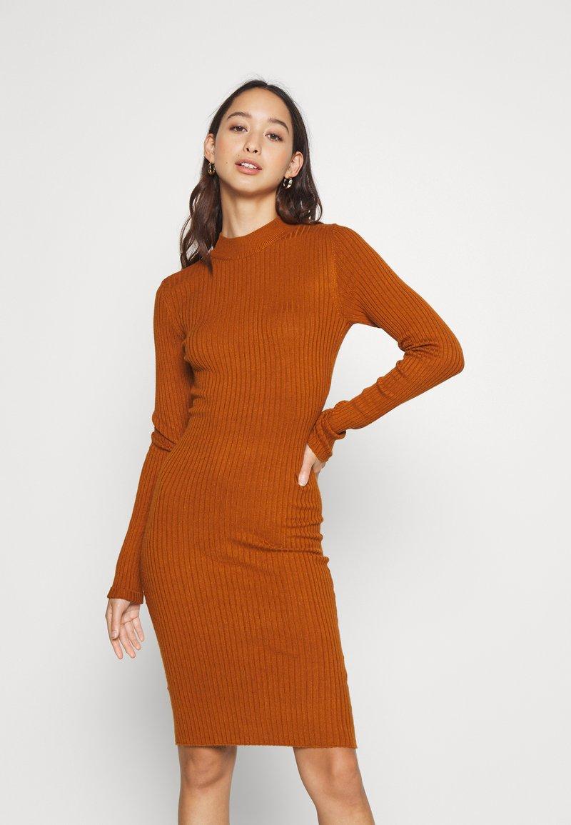 Even&Odd - Pouzdrové šaty - brown