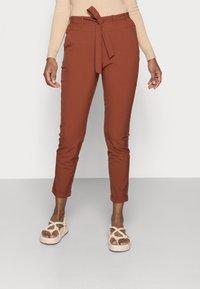 Kaffe - JILLIAN BELT PANT - Trousers - cherry mahogany - 0