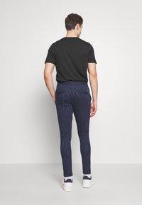 Anerkjendt - BUDDY PANTS - Trousers - sapphire - 2