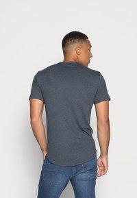 Only & Sons - ONSMATT LIFE LONGY TEE 7 PACK - T-shirt basic - white/cabernet melange/forest night melange - 2