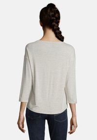 Betty & Co - Long sleeved top - nature melange - 2
