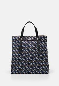 Furla - MAN GIOVE SHOPPER TESSUT - Shopping bag - toni militare - 0
