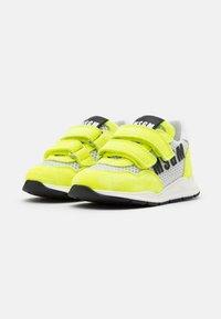 MSGM - UNISEX - Trainers - white/neon yellow - 1