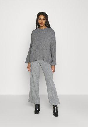 SET - Svetr - gray