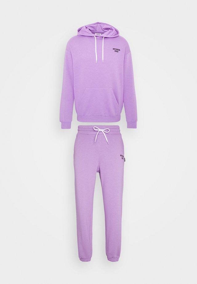 UNISEX - Zip-up hoodie - lilac