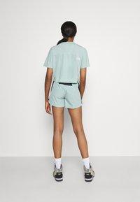 The North Face - GLACIER SHORT - Pantaloncini sportivi - lichen - 2