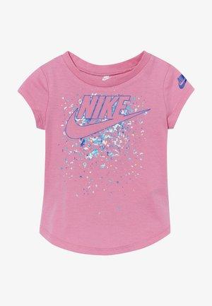 FUTURA TEE BABY - Print T-shirt - magic flamingo
