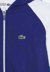 Lacoste Sport - TENNIS TRACKSUIT UNISEX - Survêtement - cosmic/white/greenfinch/black - 4