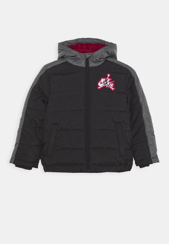 JUMPMAN CLASSIC PUFFER - Winter jacket - black