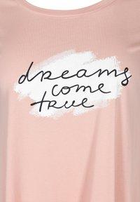 Zizzi - Print T-shirt - rose - 4