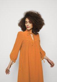 See by Chloé - Vapaa-ajan mekko - vivid brown - 3