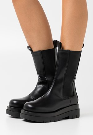 KENDALL - Platform boots - black