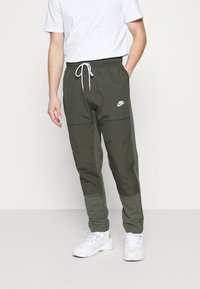 Nike Sportswear - PANT - Træningsbukser - twilight marsh/newsprint/ice silver/white - 0